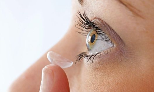 using contact lenses